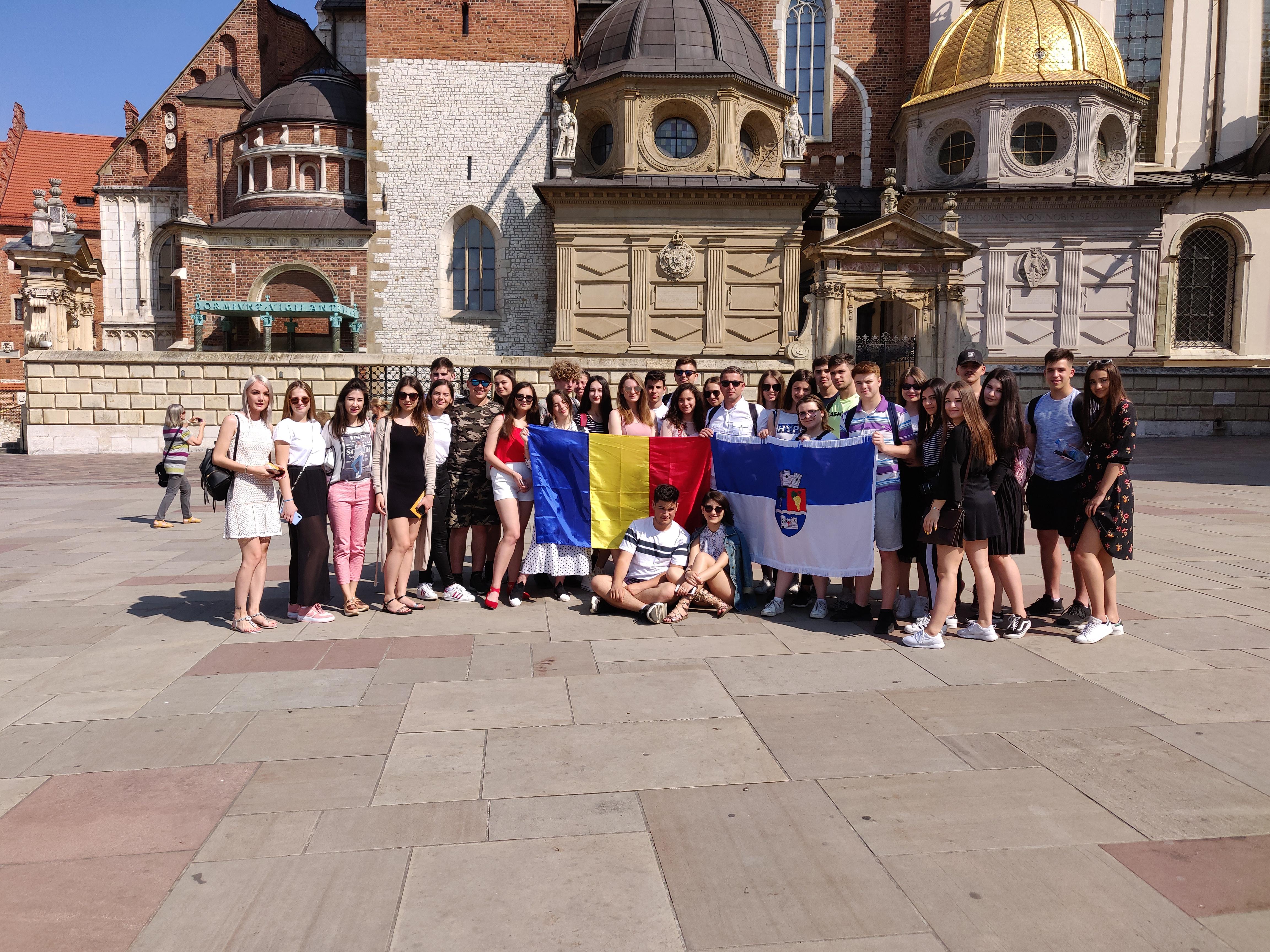 Voluntari ai Crucii Roșii Sălaj și ai Centrului Național de Informare și Promovare Turistică din Șimleu Silvaniei, excursie educațională în Polonia, la Cracovia, Auschwitz și Czchow